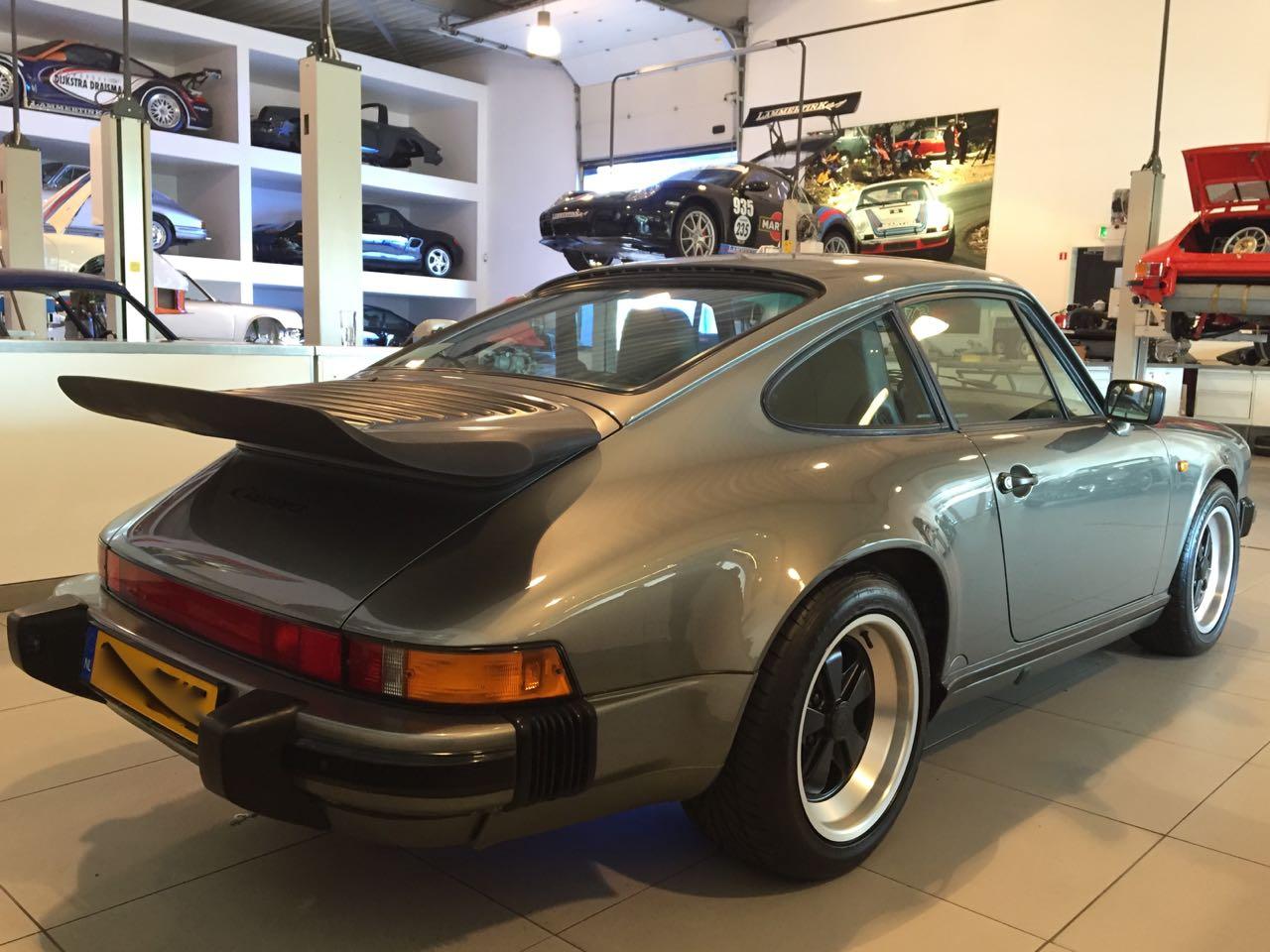 911 youngtimer - Porsche 911 Carrera G50 - 1987 - Felsengruen 4