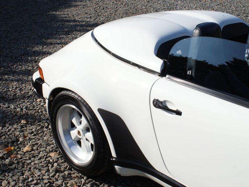 911-youngtimer-911-Speedster-1989-Grand-Prix-white-1-of-20