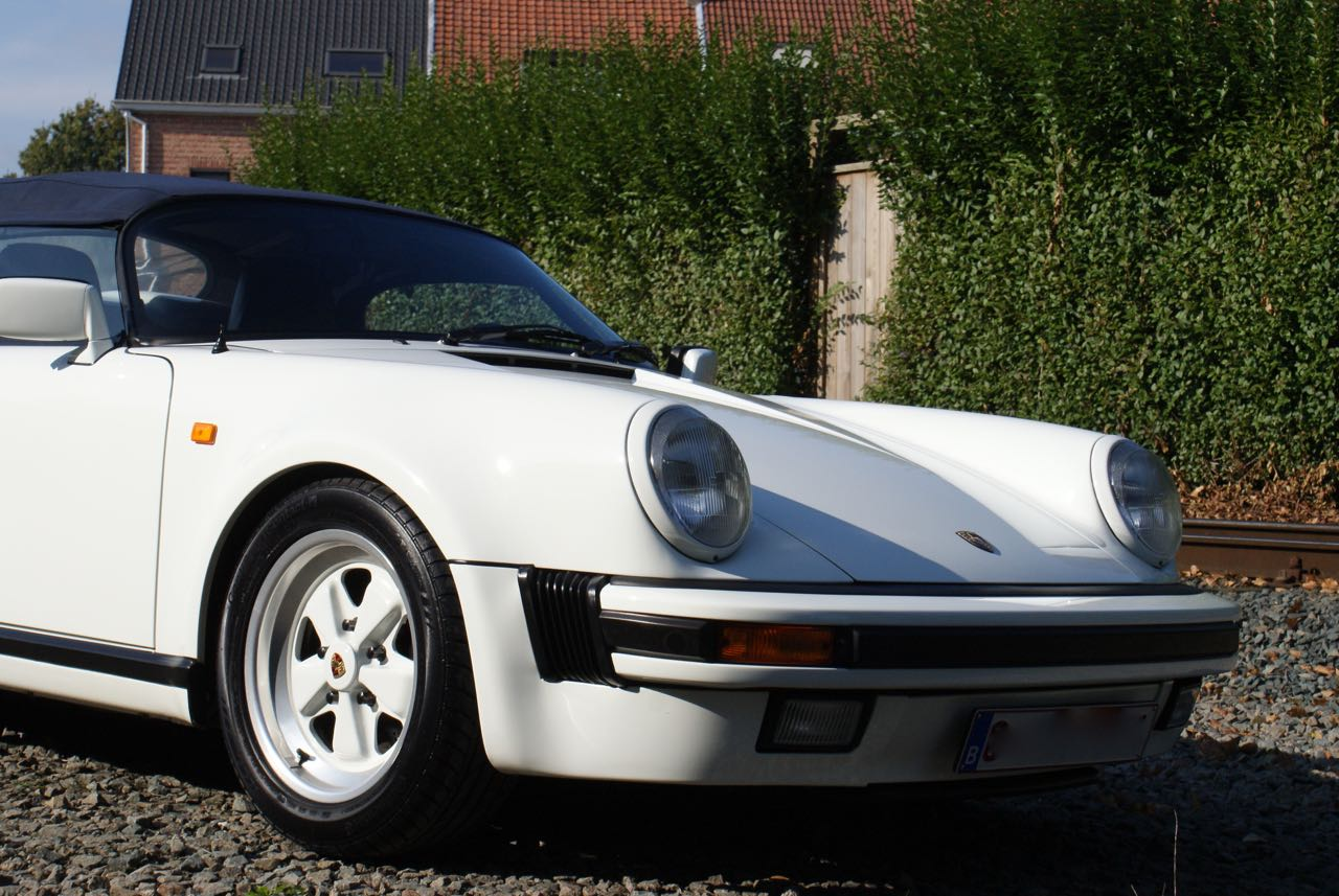 911-youngtimer-911-Speedster-1989-Grand-Prix-white-15-of-20