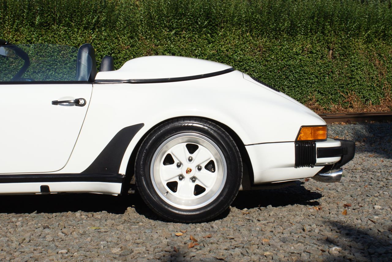 911-youngtimer-911-Speedster-1989-Grand-Prix-white-9-of-20