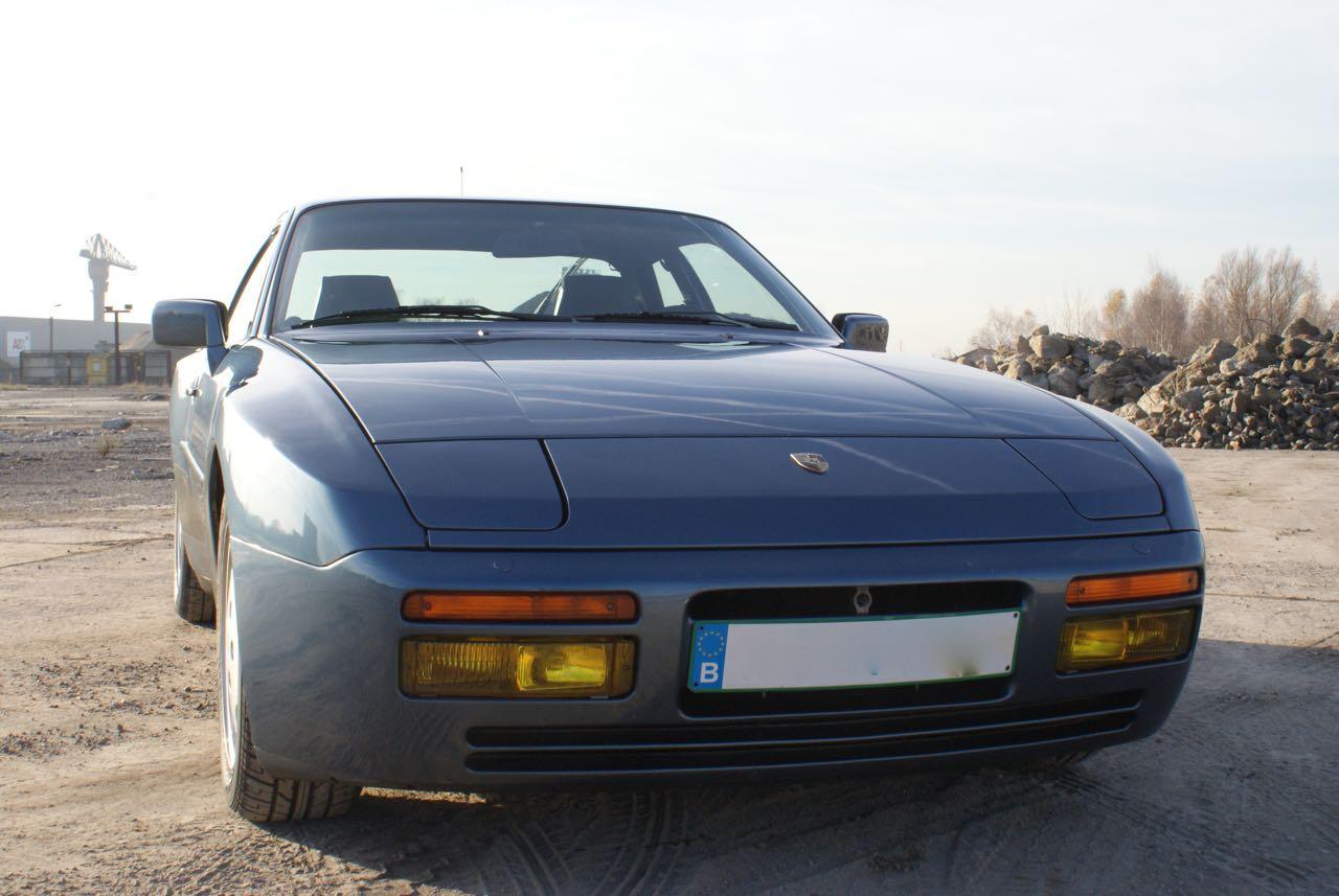 911-youngtimer-porsche-944-s2-dove-blue-metallic-1990-11-of-15