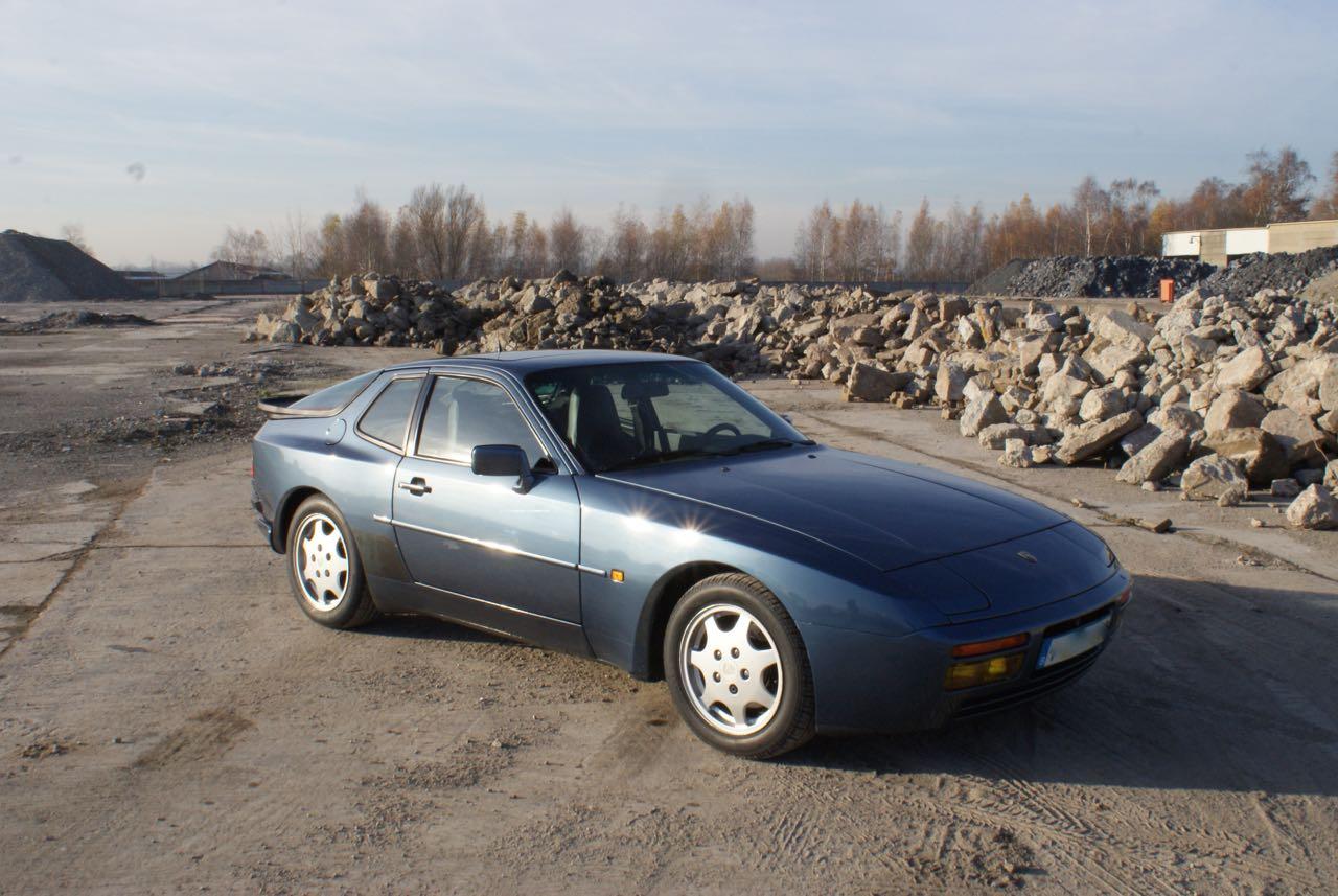 911-youngtimer-porsche-944-s2-dove-blue-metallic-1990-9-of-15