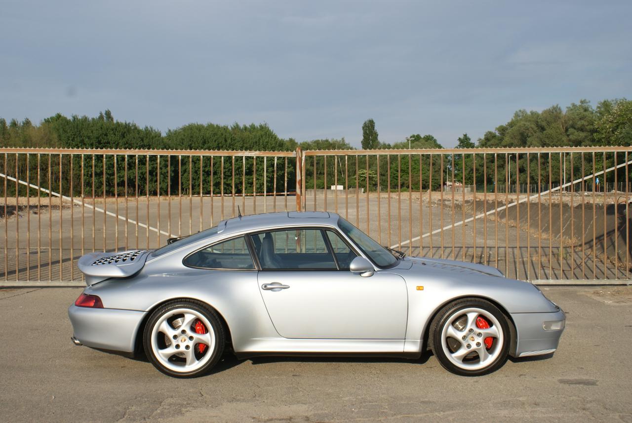 911-youngtimer-Porsche-993-turbo-Polar-silver-1997-2-of-15.jpg