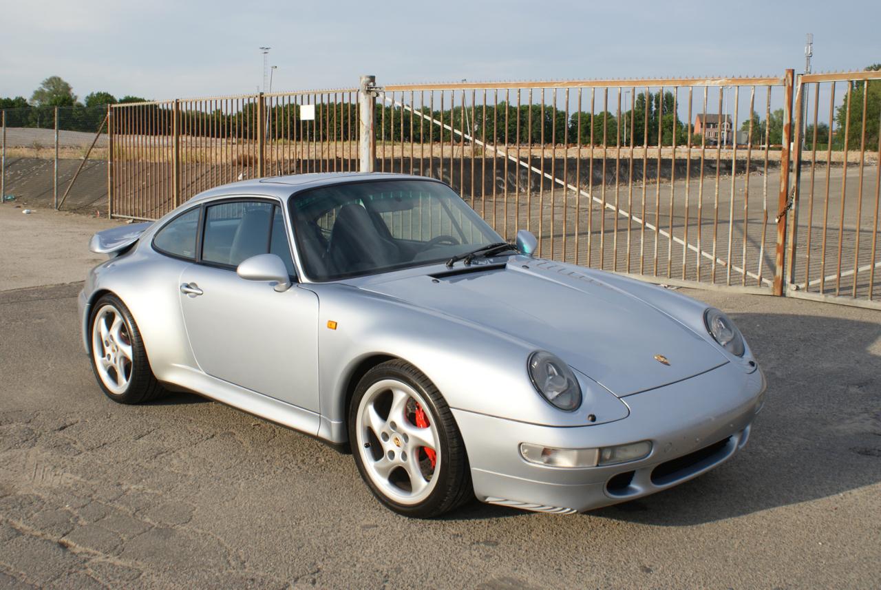 911-youngtimer-Porsche-993-turbo-Polar-silver-1997-4-of-15.jpg