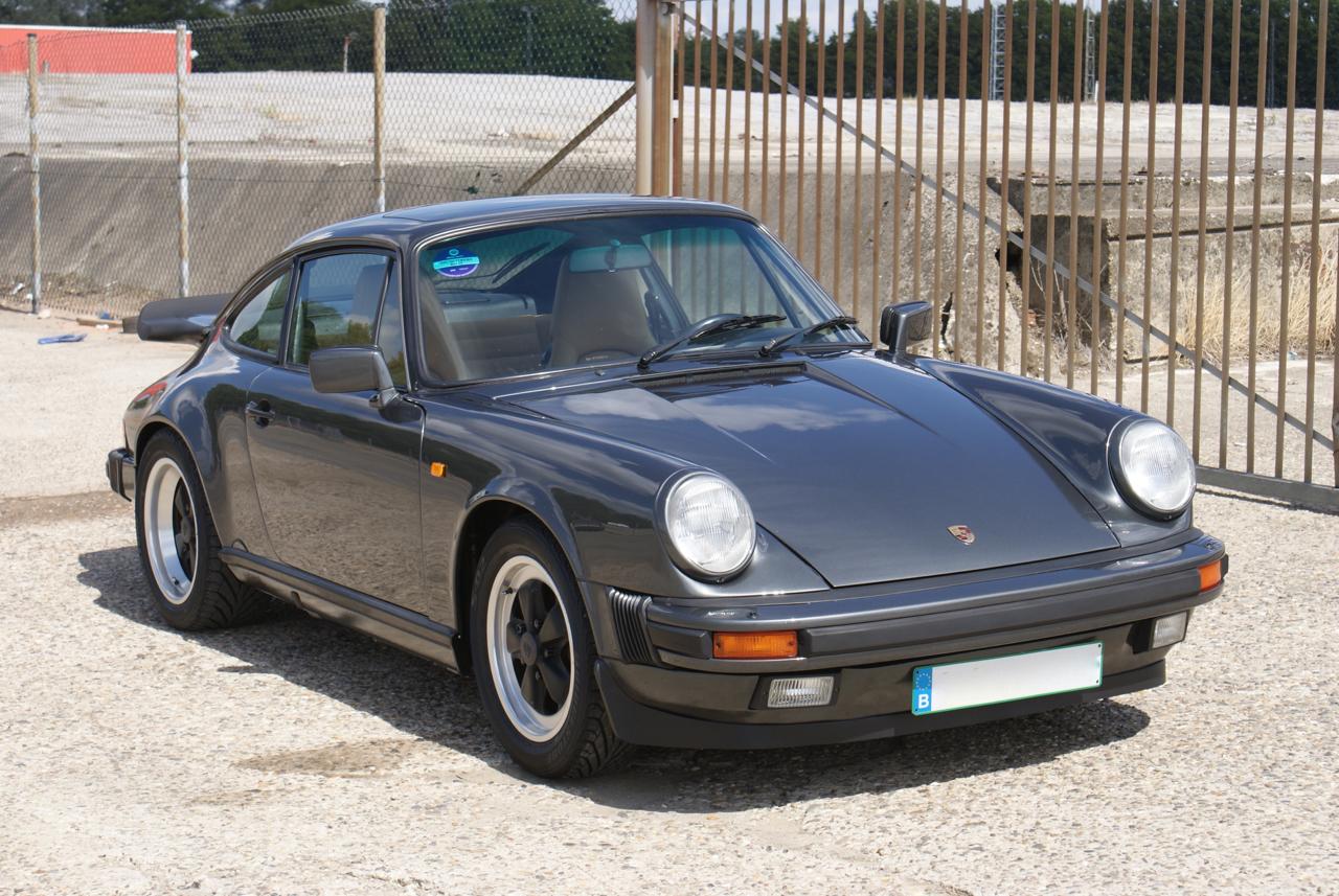 911-youngtimer-Porsche-911-Carrera-Slate-Cashmere-1989-5-of-15