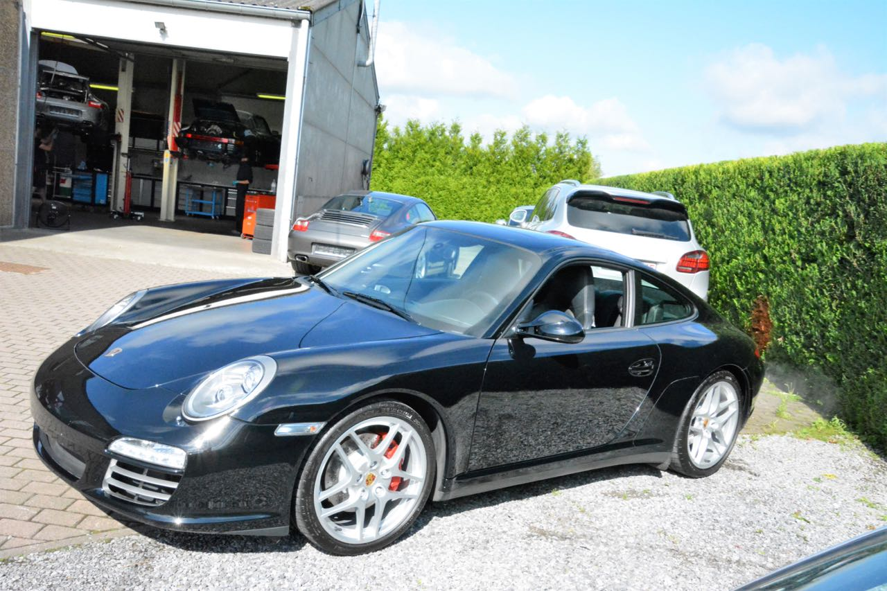 911 youngtimer - Porsche 997 Carrera 4S - Black - 2010 - 3 of 7