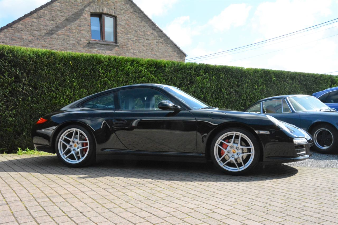 911 youngtimer - Porsche 997 Carrera 4S - Black - 2010 - 5 of 7