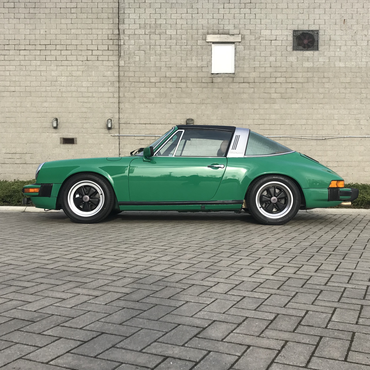 youngtimer.one - Porsche 911 SC targa - Fern Green - 1978